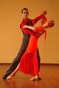 ロペスはキンタローと社交ダンスする時以外は芸人らしい