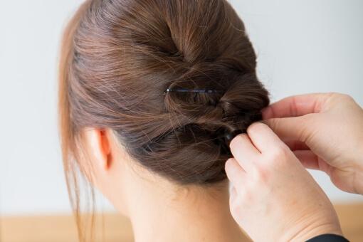 成人式2018の髪型!編み込みを低めのアップで作る簡単なやり方