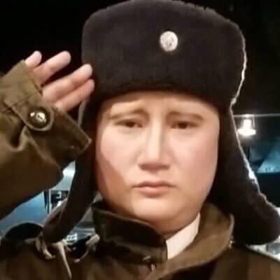 イーちゃんのプーチンのモノマネが似すぎ!素顔は?彼氏と結婚は?