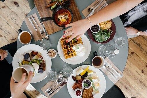 神宮外苑花火大会2018食事のできるレストラン情報まとめ