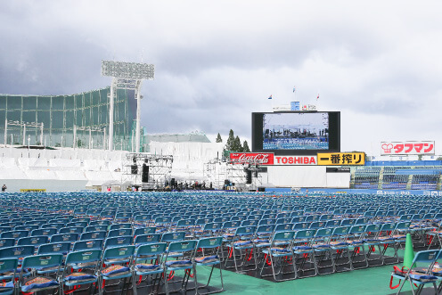 神宮外苑花火大会2018ライブの開始時間は?座席表やアーティスト情報も